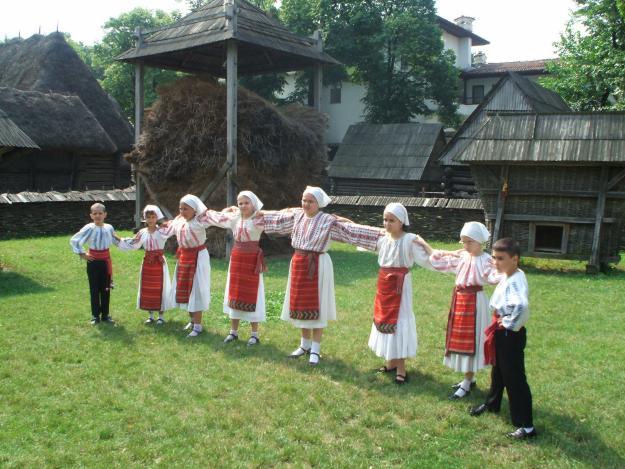 dansul popular